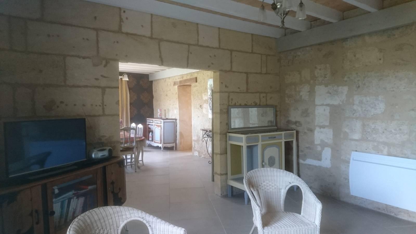 A louer maison en pierres en location meubl proche for Location appartement proche bordeaux